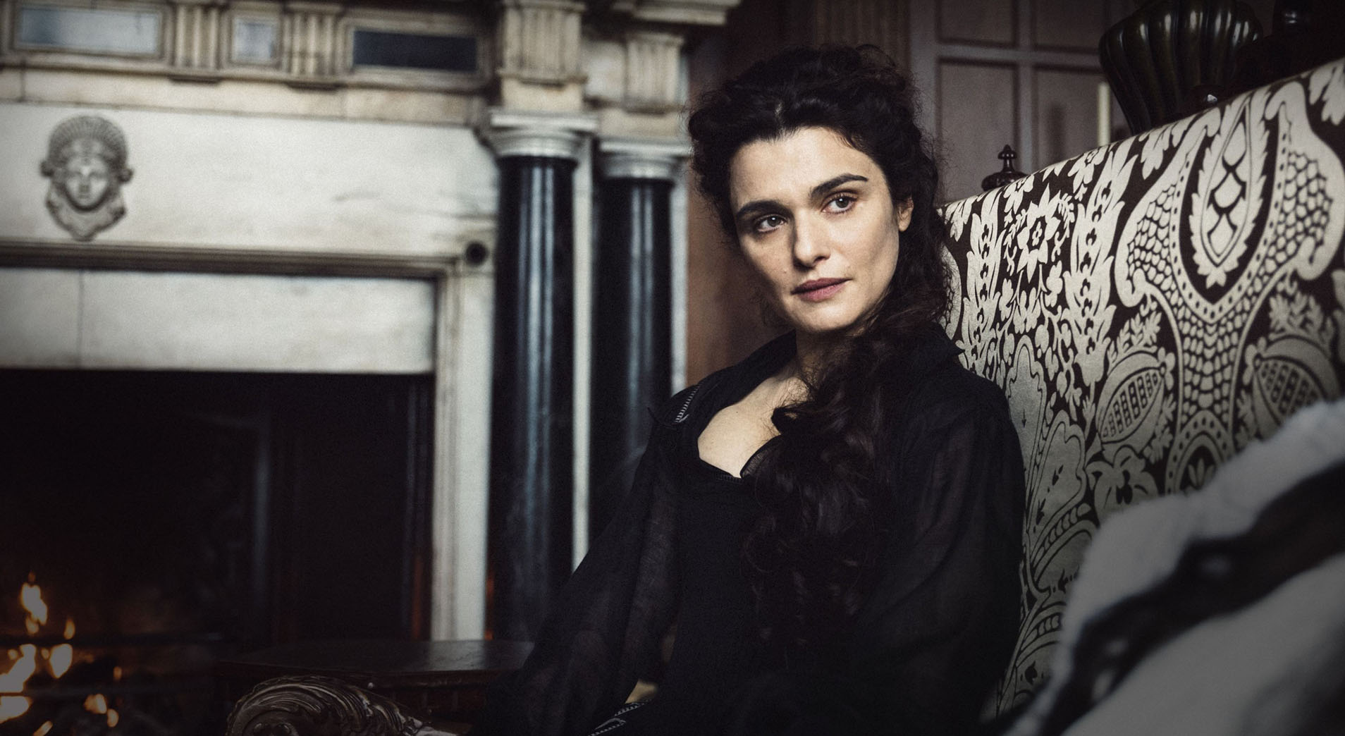 Rachel Weisz and 'The Favourite' Win Big at British Independant Film Awards.